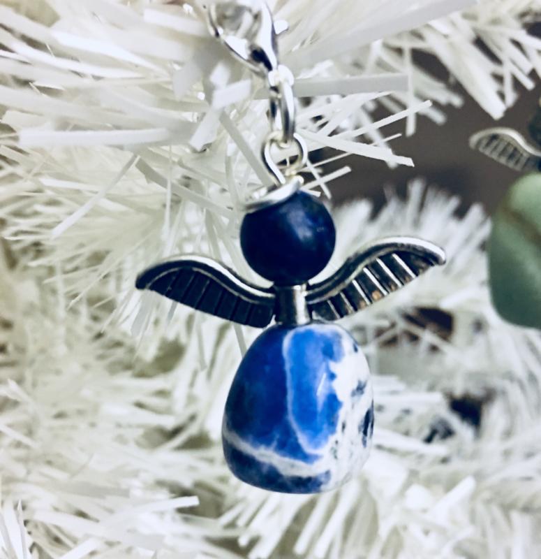 Engeltje `Geluk` Sodaliet -Natuur- Echte edelsteen