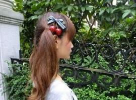 Kersjes haarklem