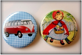 Button 56mm - Roodkapje of Volkswagen busje