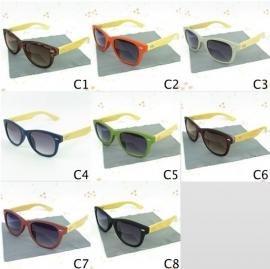 Hand gemaakte bamboo zonnebril incl stijlvolle brillendoos - verschillende kleuren!