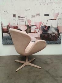 Fritz Hansen Swan chair limited edition