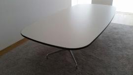 Eames Vitra segmententafel 274 X 150