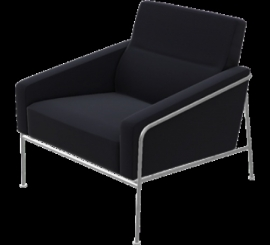 Arne Jacobsen fauteuil 3300 serie.