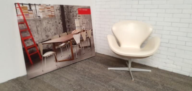 Swan chair Arne Jacobsen 50th anniversary edition