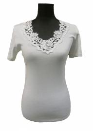 Toker WIT (onder)shirt luxe afgewerkt met prachtig kant. Maten: 36/38 t/m 52/54 !