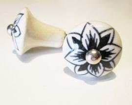 Ladeknop zwarte bloem