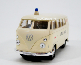 Modelauto VW bus T1 ambulance  1:34