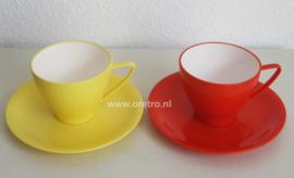 Kop en schotel rood en geel