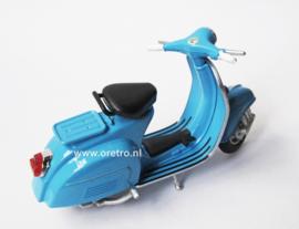 Scooter Vespa blauw  1:18