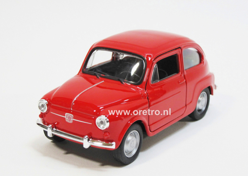 Modelauto Fiat 600 rood  1:34