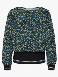Yeye - Sophisticated and Cool top
