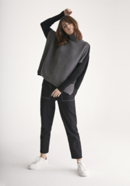 Paisie - Two Tone jumper in Charcoal and Black