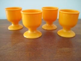 oranje plastic eierdopjes