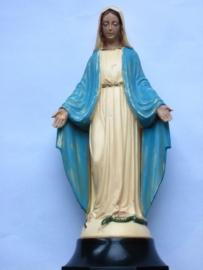 Mariabeeld in plastic