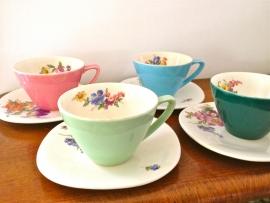 Set van 4 tassen Boch Keralux Saturn Fleur de Saxe/Vernis colorés