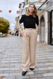 Another Label - Moore pleated pants beige