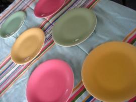 6 ronde dessertbordjes Boch pastel