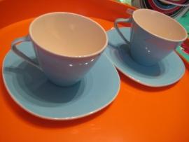 2 tassen+schoteltjes Boch expo blauw