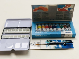 Watercolor tubes met metalen box, lege napjes en penseel