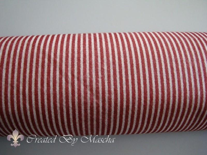 Design Vilt, rood/wit gestreept.