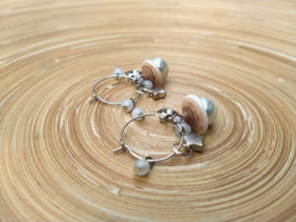 Creolen oorbellen klein met schelphoedjes