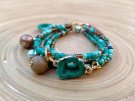6 delige turquoise armband met rocailles en suede