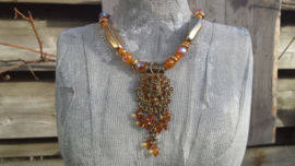 Goudkleurige/oranje  ketting