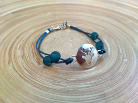 Kinder Chamballa armbandje in donkerblauw. Polsmaat 15