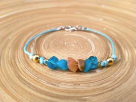 Blauw/bruin armbandje met splitkralen