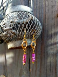 Keramieke oorbellen in paars en goud