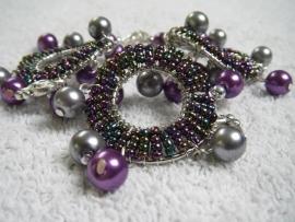 Armband met acryl-parels