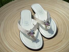 Witte slippers met paars/lila facet kralen Maat 37