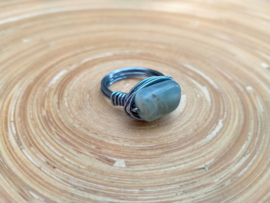 Wire ring met Aquamarijn. Maat 17.5