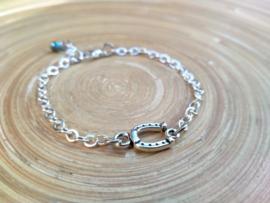 Zilverplated armbandje met hoefijzer connector