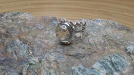 Zilverkleurige filigraan strass ring