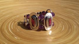Metalen armband met paarse crinkle glasparels