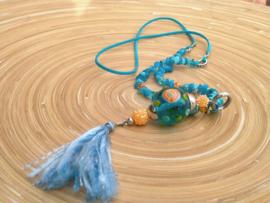 Lange blauw met oranje ketting