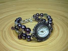 Horloge met paarse glasparels