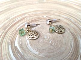 Goudkleurige oorstekers met strass , glascubes en levensboom bedeltjes