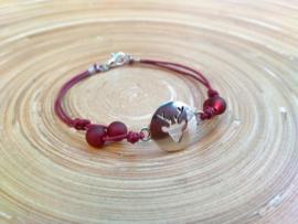 Donkerrood Chamballa armbandje met herten connector