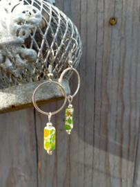 Keramieke oorbellen in groen en zilver