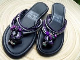 Zwart/paarse slippers Maat 39