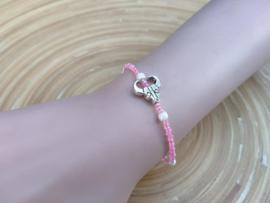 Skull armbandje in  roze