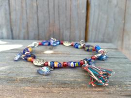 Donkerblauw/rood handgemaakt armbandje van Italiaanse Millefiori kralen