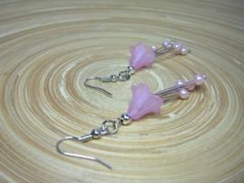 Roze bloemkelkjes oorbellen