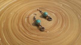 Korte blauwe oorbellen van keramiek