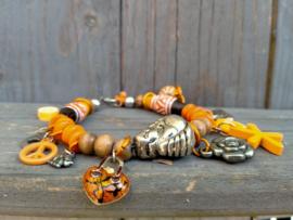 Oranje houten armband in buddha style