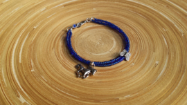 Blauw armbandje met paardje en vlinder