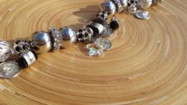 Zilverlook  armband met zilverfoil glaskraal