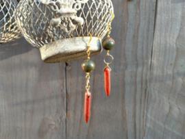 Jaspis oorbellen met goudsteen hangers
